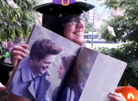 Twilight: The Complete Illustrated Movie Companion. (Backstage).